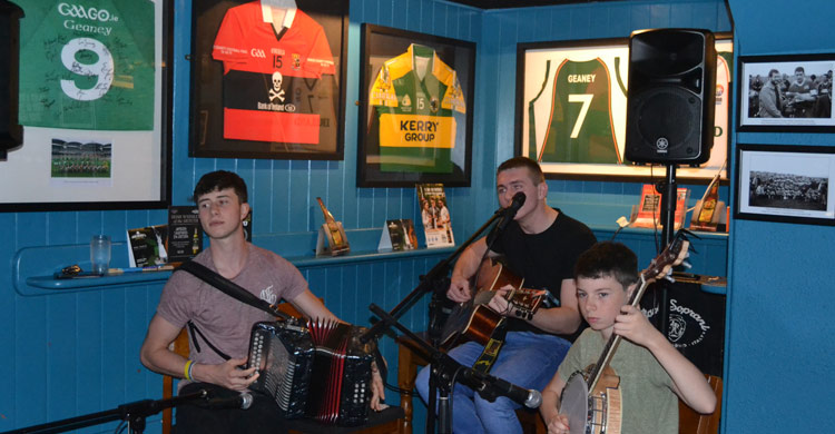 HighTide LIVE on stage at Paul Geaney's Batr Restaurant Dingle Wild Atlantic Way.