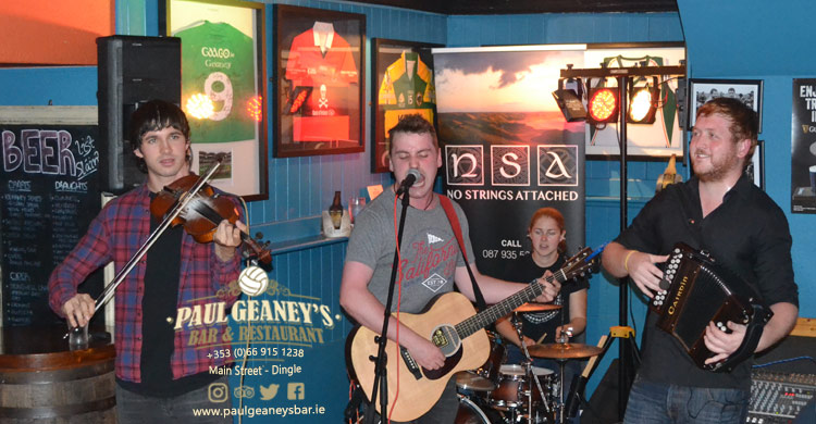No Strings Attached Live Traditional Irish Music at Paul Geaney's Bar Restaurant Dingle Wild Atlantic Way